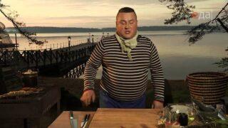 Лещ на решетке с огуречным салатом