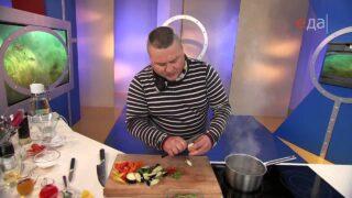 Семга терияки с овощами и яичными хлопьями